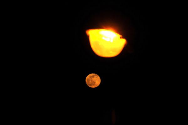 Rencontre pleine lune et soleil en Petite Californie Bretonne